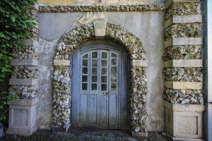 blue door in France